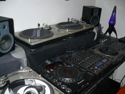 For Sale: Brand New 2x Pioneer CDJ-1000MK3 & 1x DJM-800 DJ Mixer Packa